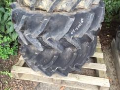 2x pneumatika 380/70 R20