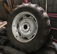1x pneumatika s diskem 16.9-34 10PR (420/85 R34)