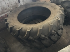 2x pneumatika 16.9 - 38 (420/85 R38)