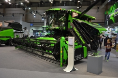 Agritechnica 2015 - mlátičky Deutz-Fahr s lištou BISO
