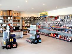 Nový parts-shop v Hurbanově