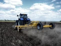 BISO Kompakt 6000 v akci při přípravě půdy