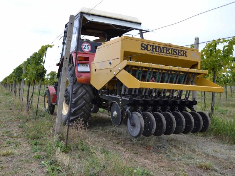 Schmeiser – secí stroj do vinohradů