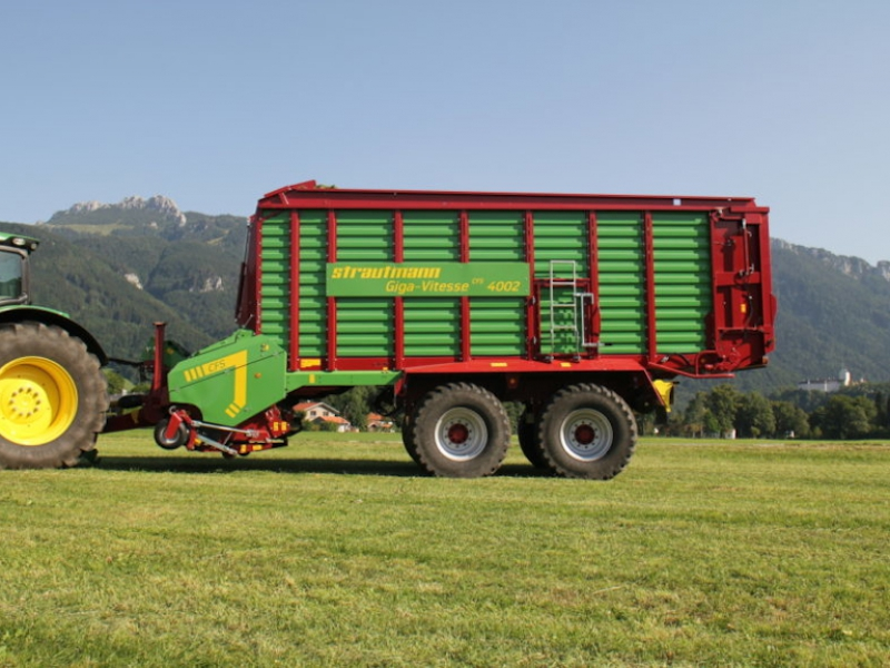 Strautmann Giga Vitesse na farmě ve Velké Británii