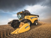 New Holland CH7.70 Crossover Harvesting
